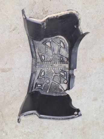 Stopień podnóżek prawy yamaha kodiak 450 z 2019 roku