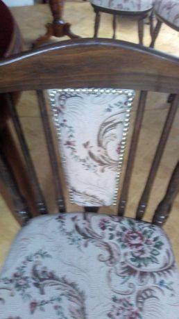 Krzesła stylowe i stól