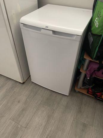 Geladeira, frigobar, arca, frigorifico.