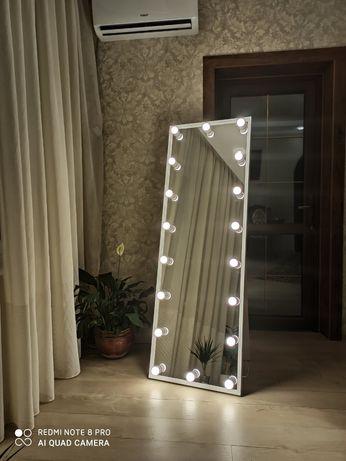 Зеркало гримёрнное,с подсветкой