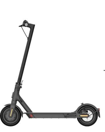 Hulajnoga elektryczna XIAOMI Mi Electric Scooter Essential NOWA