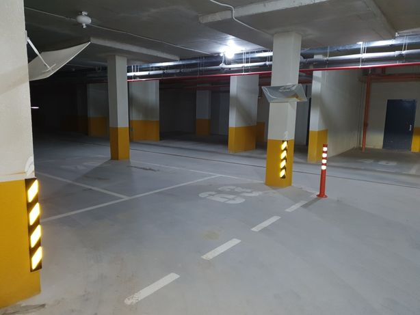 Паркомісце у підземному паркінгу