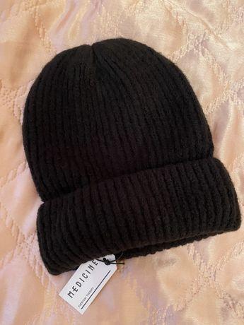 Шапка черная теплая и качественая