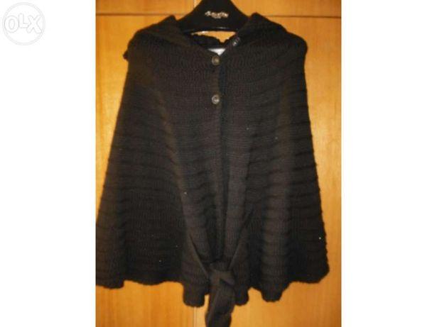 Capa de lã preta