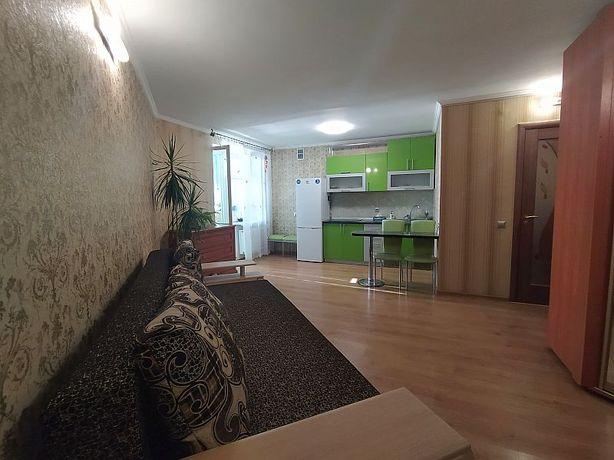Сдам в аренду 1-но комнатную квартиру студию в центре.