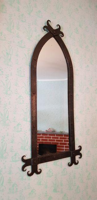 Espelho antigo forjado
