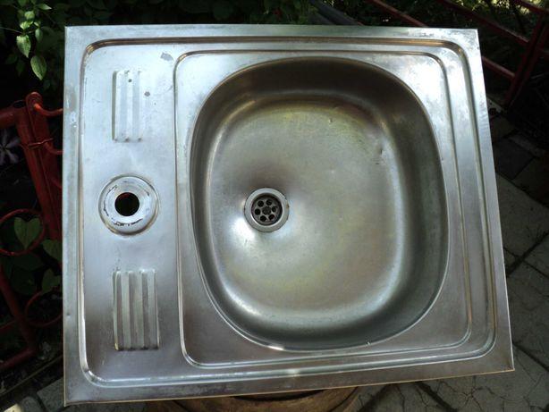 Кухонна мийка для миття посуди