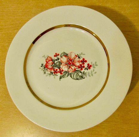 Тарелка мелкая с позолотой, набор 6 шт (новые)