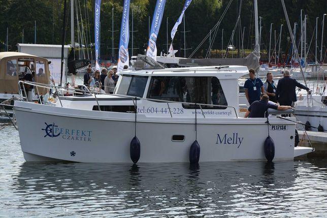 Czarter Jacht motorowy hausboat wynajem łodzi Mazury BEZ PATENTU