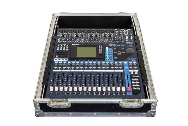 Yamaha 01V96 + MY8-AT + case