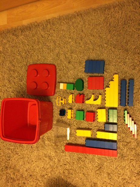 Lego duplo w wiaderku