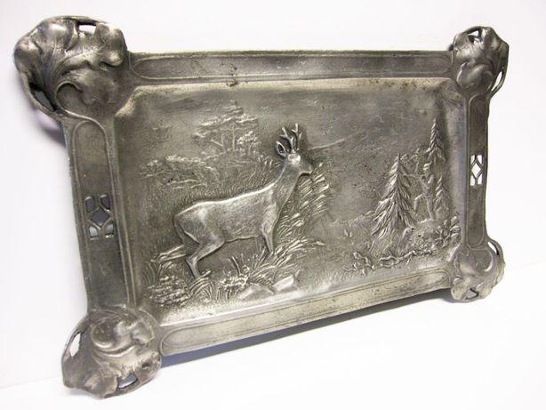 linda antiga placa em estanho com motivo de caça marcada