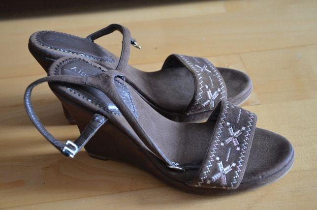 Alice Rossini śliczne sandały damskie brąz koturn rozmiar 37 23,5 cm