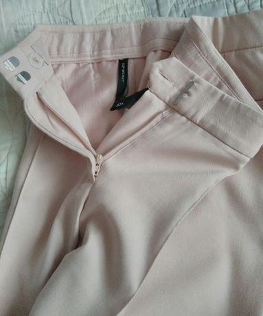 Eleganckie różowe spodnie marki Top Secret w rozmiarze 34