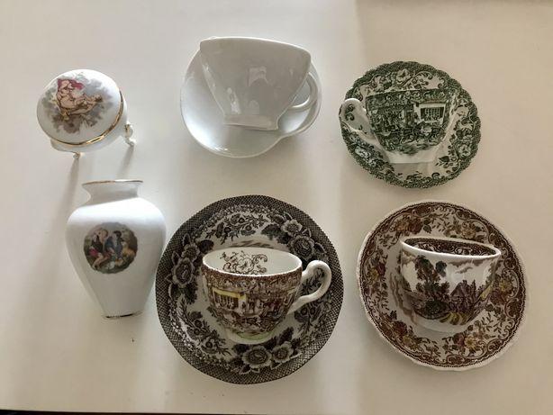 Chávenas muito antigas porcelana