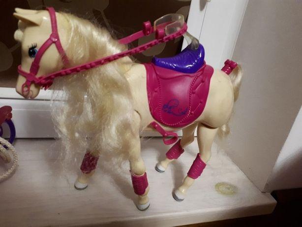 Konik Barbie, na baterie, z siodłem