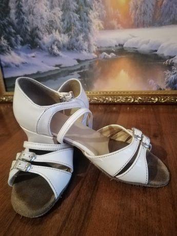 Продам танцевальные туфли