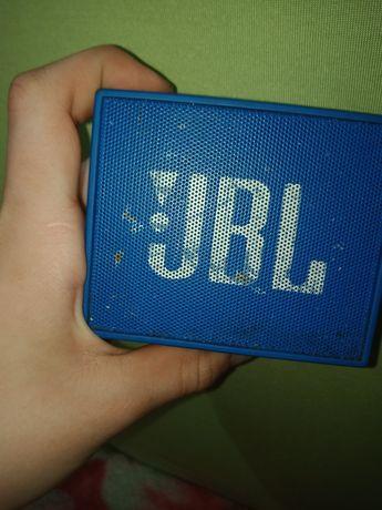 Привет ребят,продаю колонку JBL GO