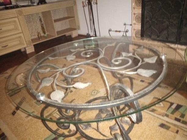 Столик кований скляний