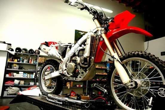 Naprawa serwis motocykli Quady cross skuter itp