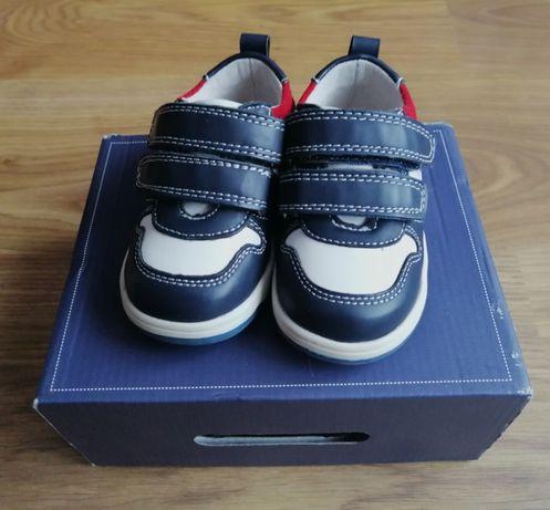 Buty dla chłopca w rozmiarze 20, 35 zł z wysyłką