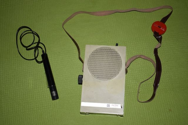 Megafon turystyczny Tonsil (z mikrofonem) PRL, dla przewodnika