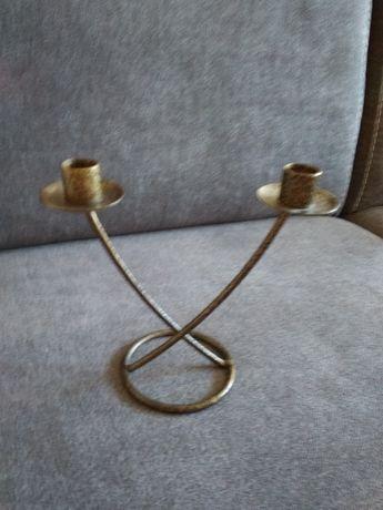 Świecznik metalowy-złoty