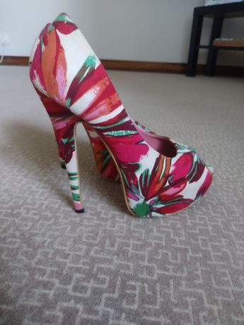 Sandália sapato salto alto