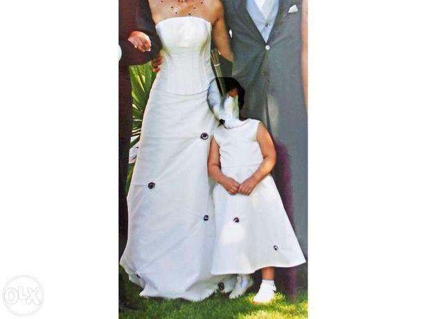 Vestido noiva e menina+sapatos+aplicações cabelo+Porta-alianças