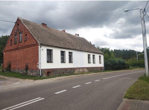 Dom wraz z siedliskiem i ziemią rolną (15 ha)
