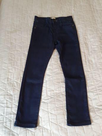 Granatowe jeansy firmy zara