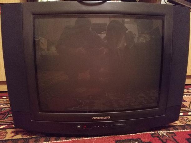 Telewizor GRUNDIG 24 cale+pilot+kabel
