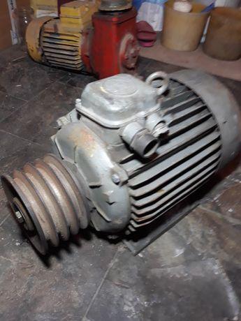 Silnik elektryczny  INDUKTA  7.5 KW