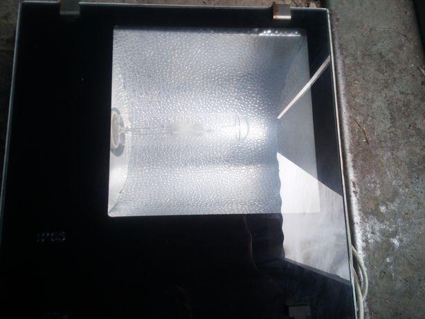 Металлогалагенный прожектор 400W IP65