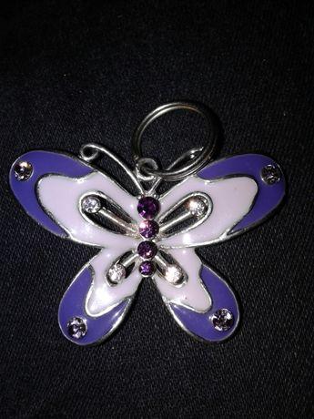 Motylek na łańcuszek