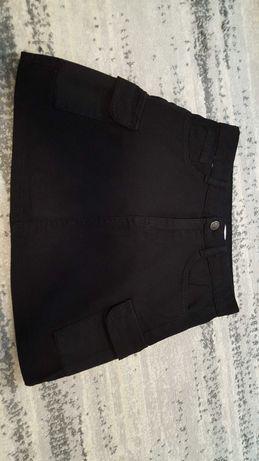 Reserved czarna jeansowa spódniczka z kieszeniami 152cm