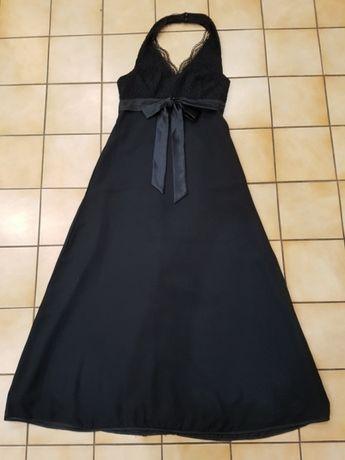 Czarna z koronką