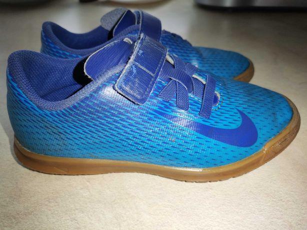 Buty piłkarskie, halówki, NIKE, rozmiar 31