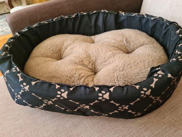 Legowiskoz poduszką dla psa lub kota