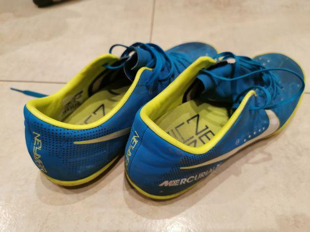 Turfy Nike 40