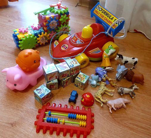 Лот игрушек для малышей