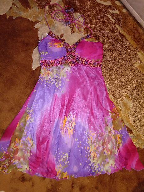 Платье нарядное,красивое с шифоновым шарфом.Бисер. Выпускное. 42-44 р