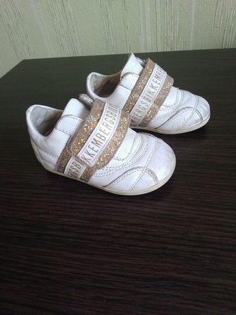 Легкі кросівки р.21 (11 см)