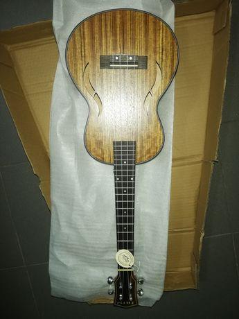 Ukulele tenor de madeiras nobres com estojo