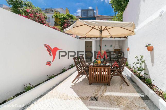 Moradia V4 em Alvalade com terraço e estacionamento p/ 2 carros