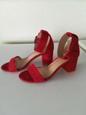Sandálias Vermelhas - como novas