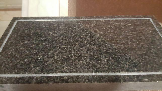 Centro mármore/granito preto