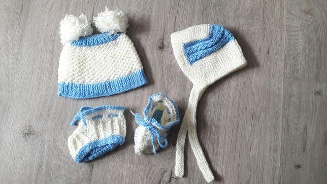 Набор: вязаная шапка, чепчик - шапочка и пинетки  для новорожденных
