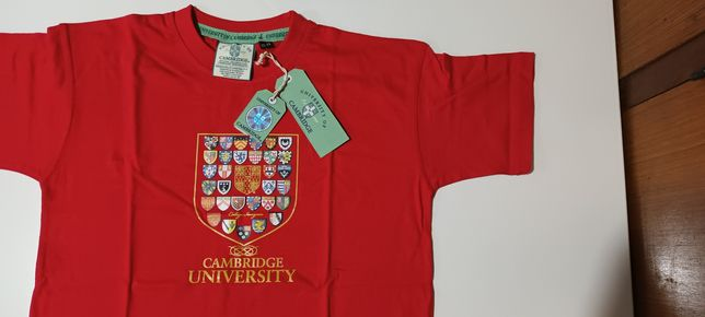 T-shirt algodão oficial universidade de Cambridge