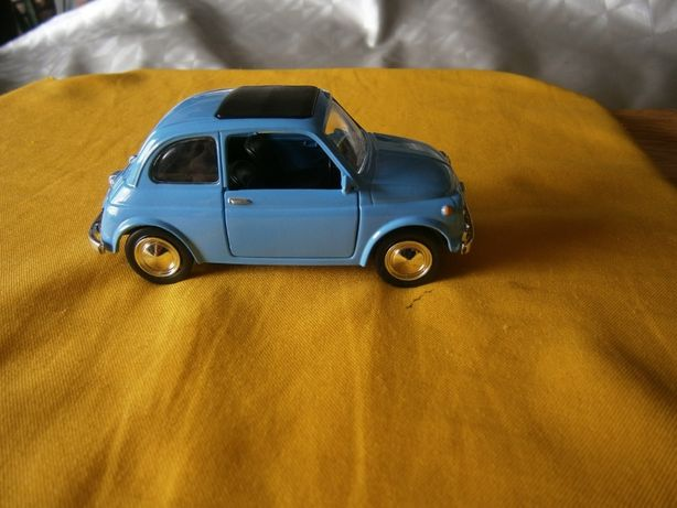 Fiat 500 F  em metal escala 1:43